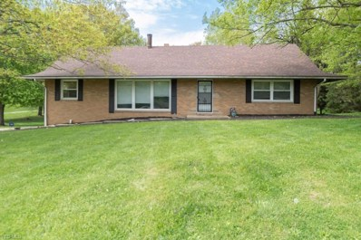 5823 Glyn Drive NW, North Canton, OH 44720 - #: 4095037