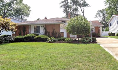 4296 Bentley Drive, North Olmsted, OH 44070 - #: 4122600