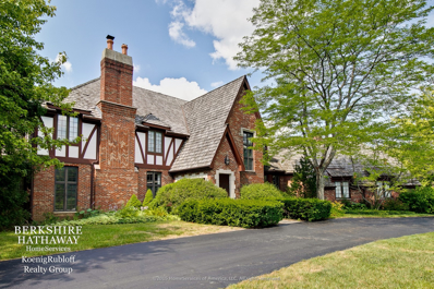 215 S Basswood Road, Lake Forest, IL 60045 - #: 09896291