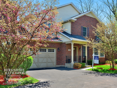 1215 CHARLESTON Court #1215, Westmont, IL 60559 - #: 09977278