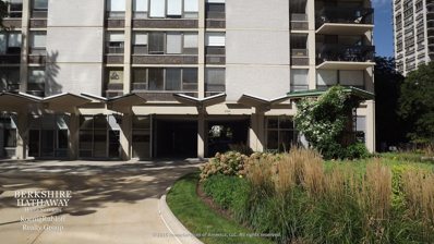 1360 N Sandburg Terrace UNIT 2101, Chicago, IL 60610 - #: 10029127
