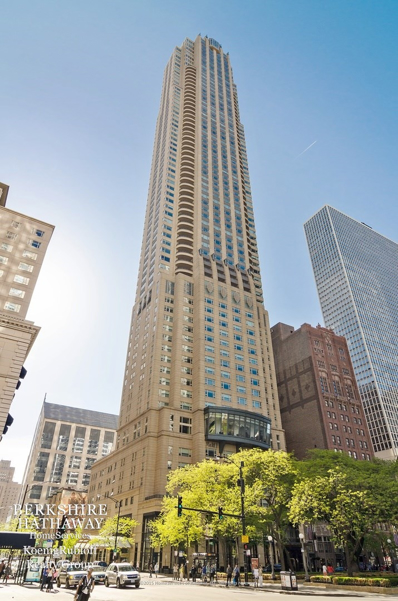 800 N Michigan Avenue UNIT 4802, Chicago, IL 60611 - #: 10088960