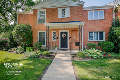 486 Old Surrey Road UNIT B, Hinsdale, IL 60521 - #: 10090284