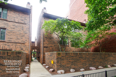 434 W Briar Place UNIT 2, Chicago, IL 60657 - #: 10094864