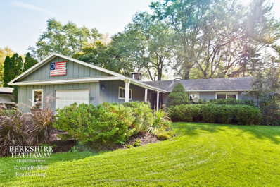 107 E Hawthorne Court, Lake Bluff, IL 60044 - #: 10112248