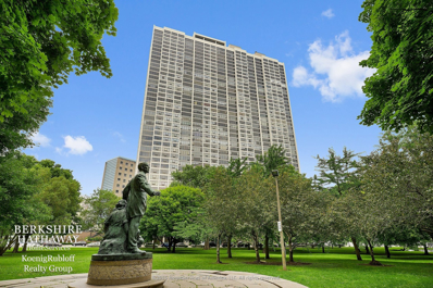 2800 N Lake Shore Drive UNIT 1301, Chicago, IL 60657 - #: 10120251