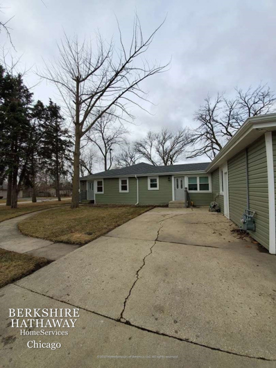 844 S CHATHAM Avenue, Addison, IL 60101 - #: 10648078