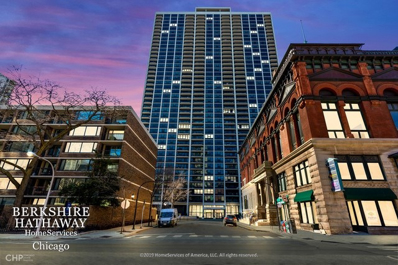 1560 N Sandburg Terrace #1212J, Chicago, IL 60610 - #: 10673681