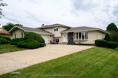 10S281 Suffield Drive, Downers Grove, IL 60516 - #: 10804659