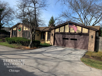 1401 Estate Lane, Glenview, IL 60025 - #: 10938389