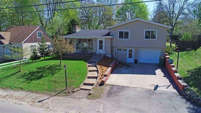 515 S Washington, Waupaca, WI 54981 - MLS#: 50188092
