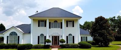 1039 Log Lane, Headland, AL 36345 - #: 170436