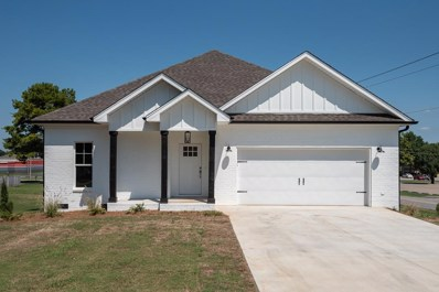 635 Highland Ave, Muscle Shoals, AL 35661 - #: 427924