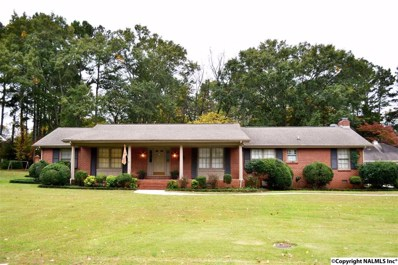 1807 Woodmont Drive, Decatur, AL 35601 - #: 1081697