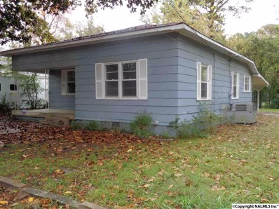2108 Clara Avenue, Decatur, AL 35601 - #: 1092625