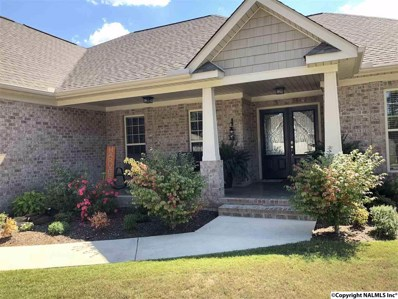 516 Foxridge Drive, Hartselle, AL 35640 - #: 1103618