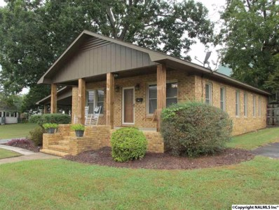 808 Grand Avenue, Fort Payne, AL 35967 - #: 1105168
