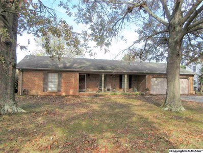2206 St Andrews, Decatur, AL 35603 - #: 1107997
