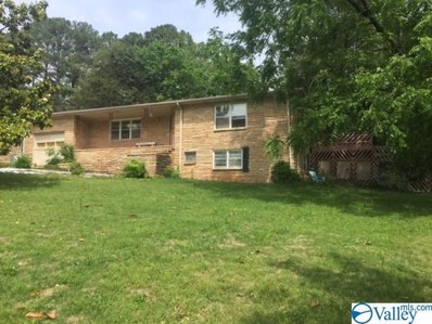 1002 Woodall Lane, Huntsville, AL 35816 - #: 1113036
