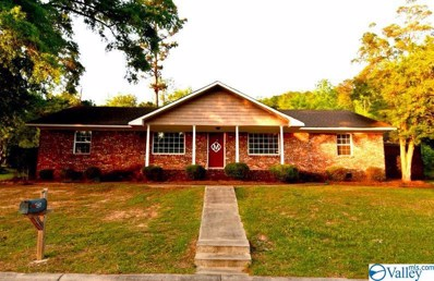 3500 Colonial Drive, Guntersville, AL 35976 - #: 1117035