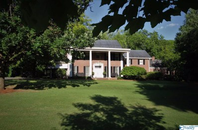 2206 Country Club Road, Decatur, AL 35601 - #: 1120258