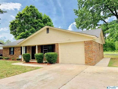 1514 Douthit Street, Decatur, AL 35603 - #: 1121506