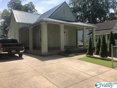 422 6TH Avenue Sw, Decatur, AL 35601 - #: 1123706