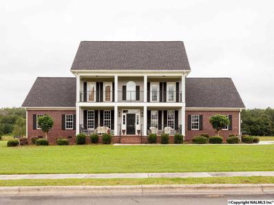 456 Plantation Pointe Road, Scottsboro, AL 35768