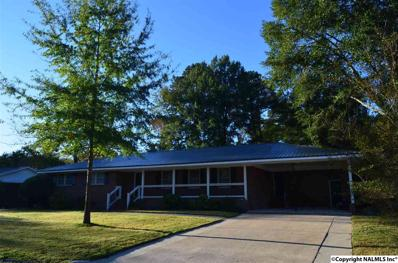 121 Ivanhoe Lane, Rainbow City, AL 35906