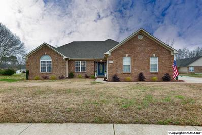 203 Chestnut Oak Circle, Owens Cross Roads, AL 35763