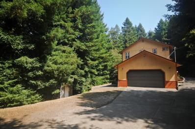 3375 Pigeon Point Road, Freshwater, CA 95503 - #: 251576