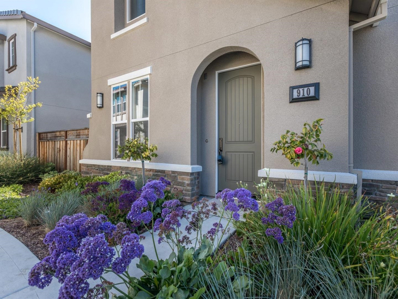 910 Holly Place, East Palo Alto, CA 94303 - MLS#: 52147356
