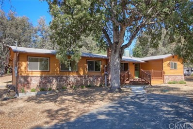 42967 Country Club Drive E, Oakhurst, CA 93644 - MLS#: FR18215485