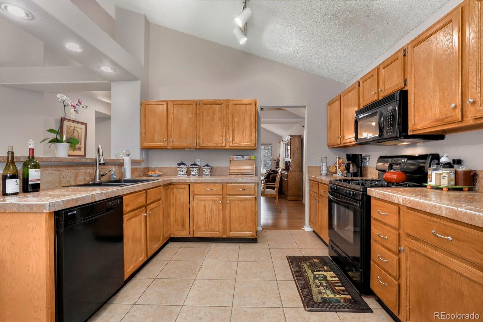 MLS# 1858116 - 17 - 6080 S Summer Ridge Way, Castle Rock, CO 80109