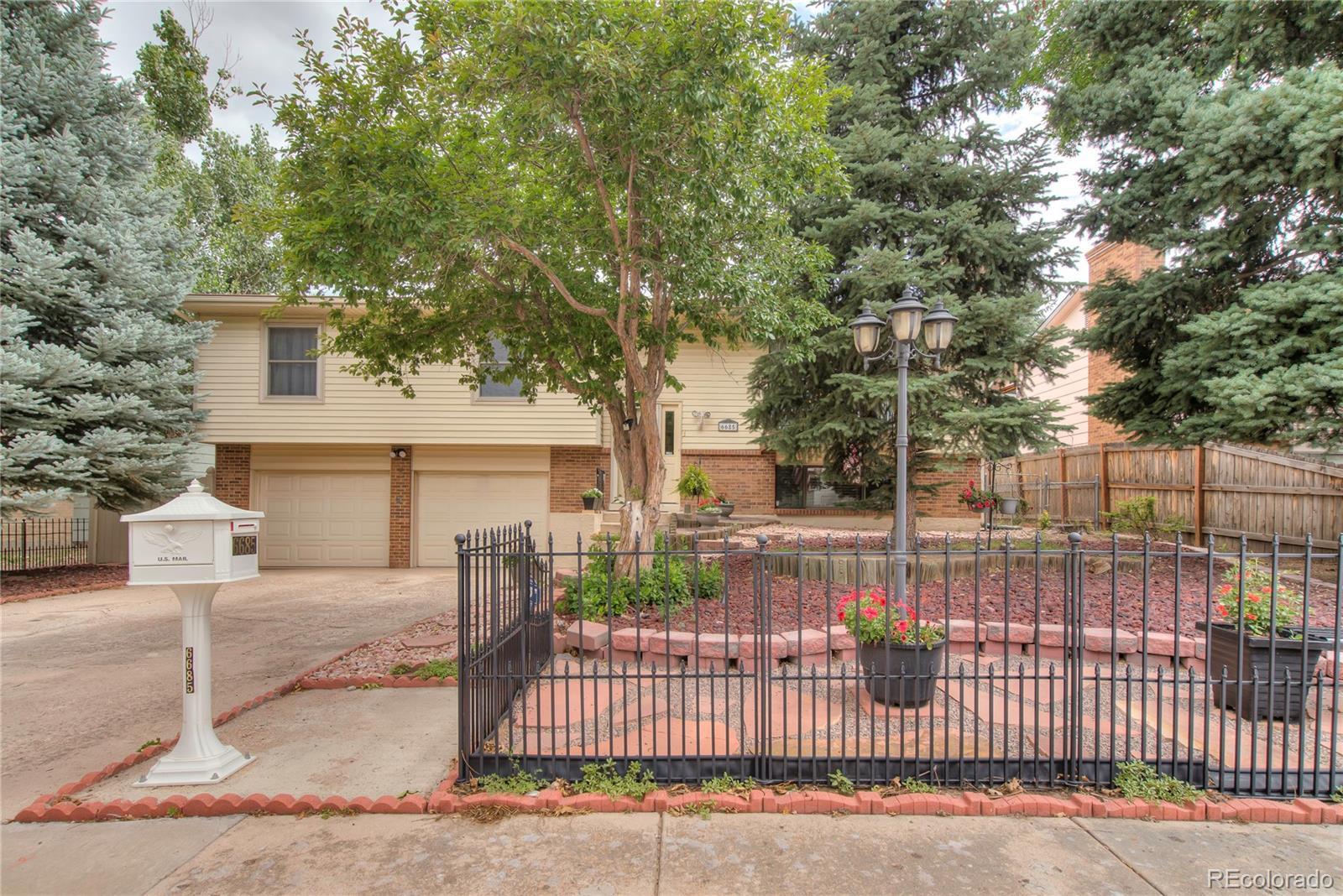 MLS# 2141630 - 35 - 6685 Brook Park Drive, Colorado Springs, CO 80918