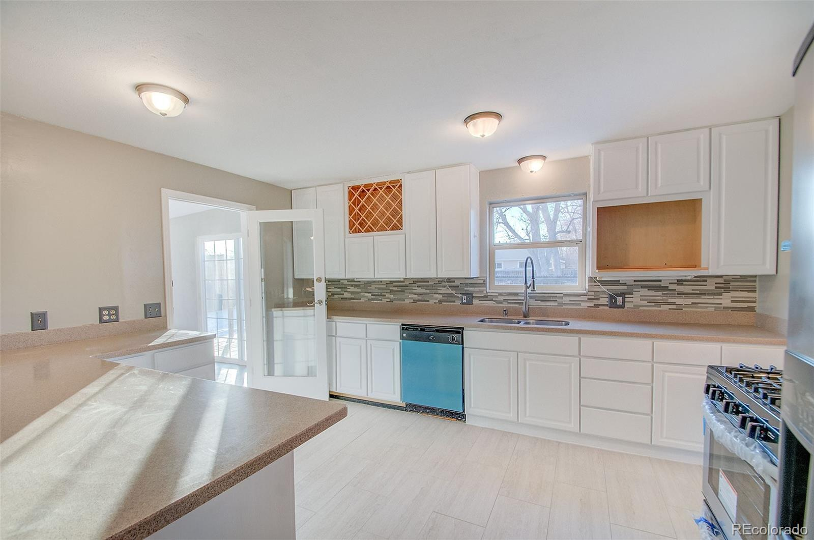 MLS# 2260867 - 11 - 6075 W 82nd Place, Arvada, CO 80003
