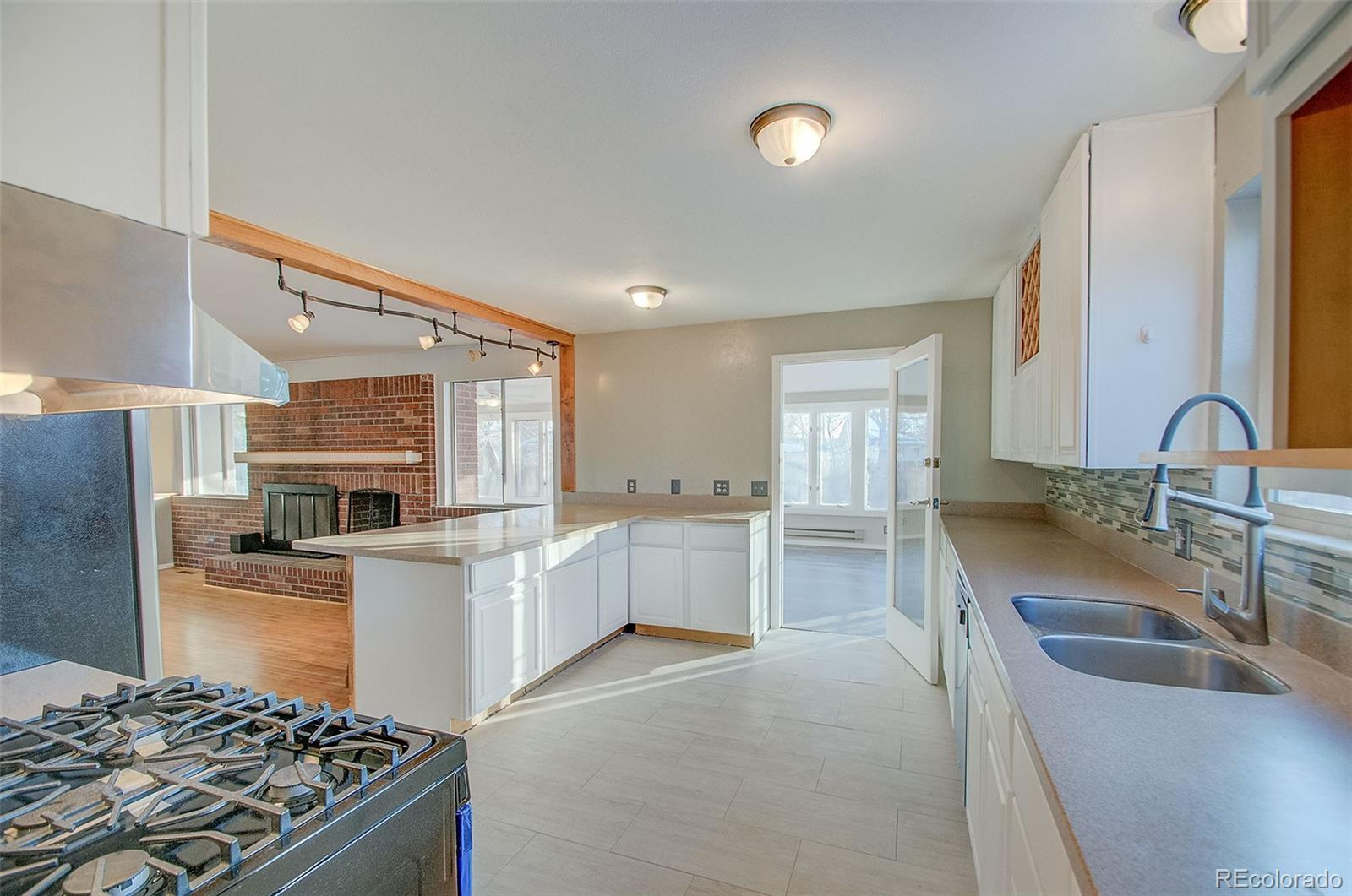 MLS# 2260867 - 10 - 6075 W 82nd Place, Arvada, CO 80003