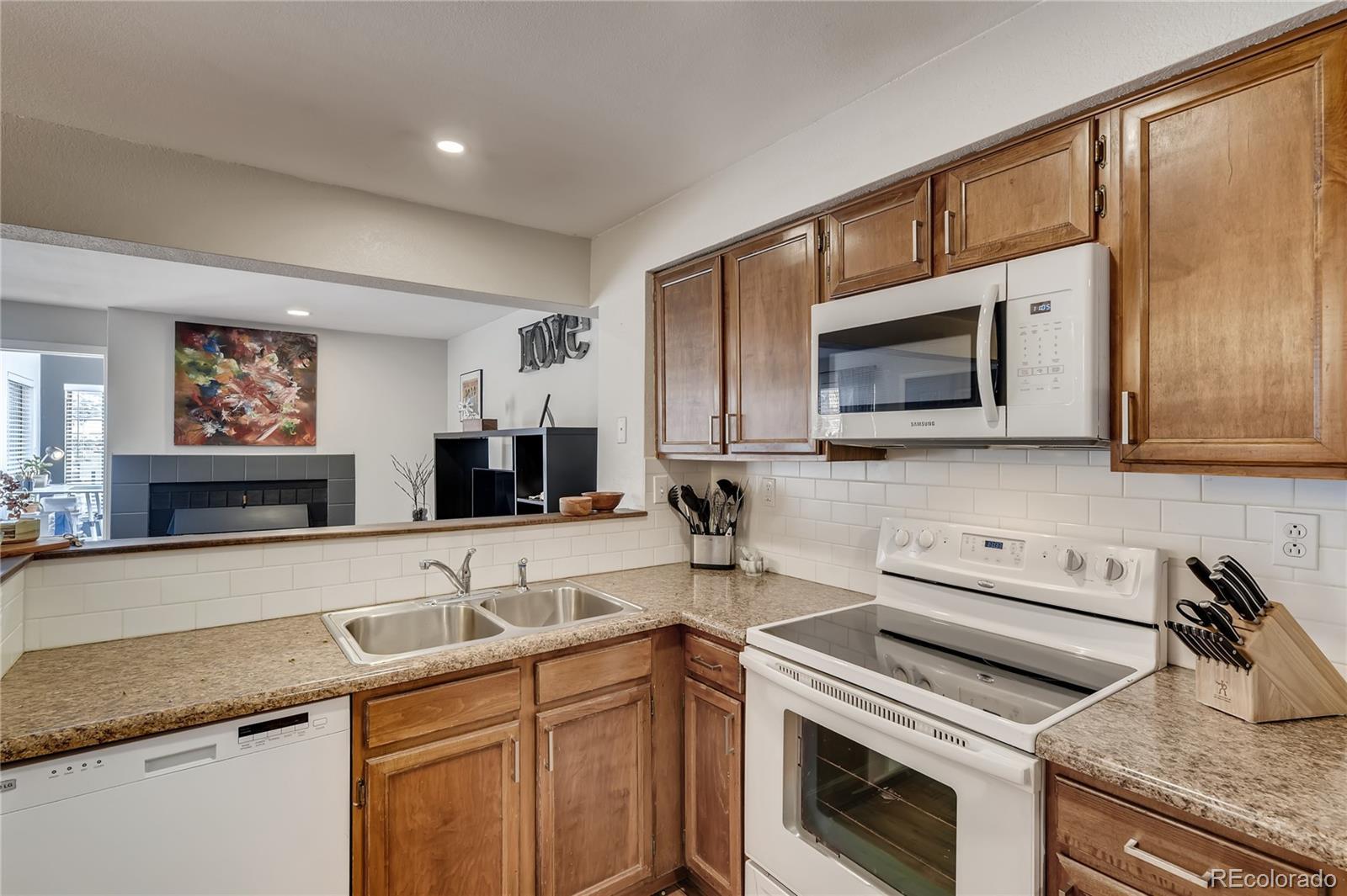 MLS# 2286573 - 7 - 836 S Vance Street #A, Lakewood, CO 80226