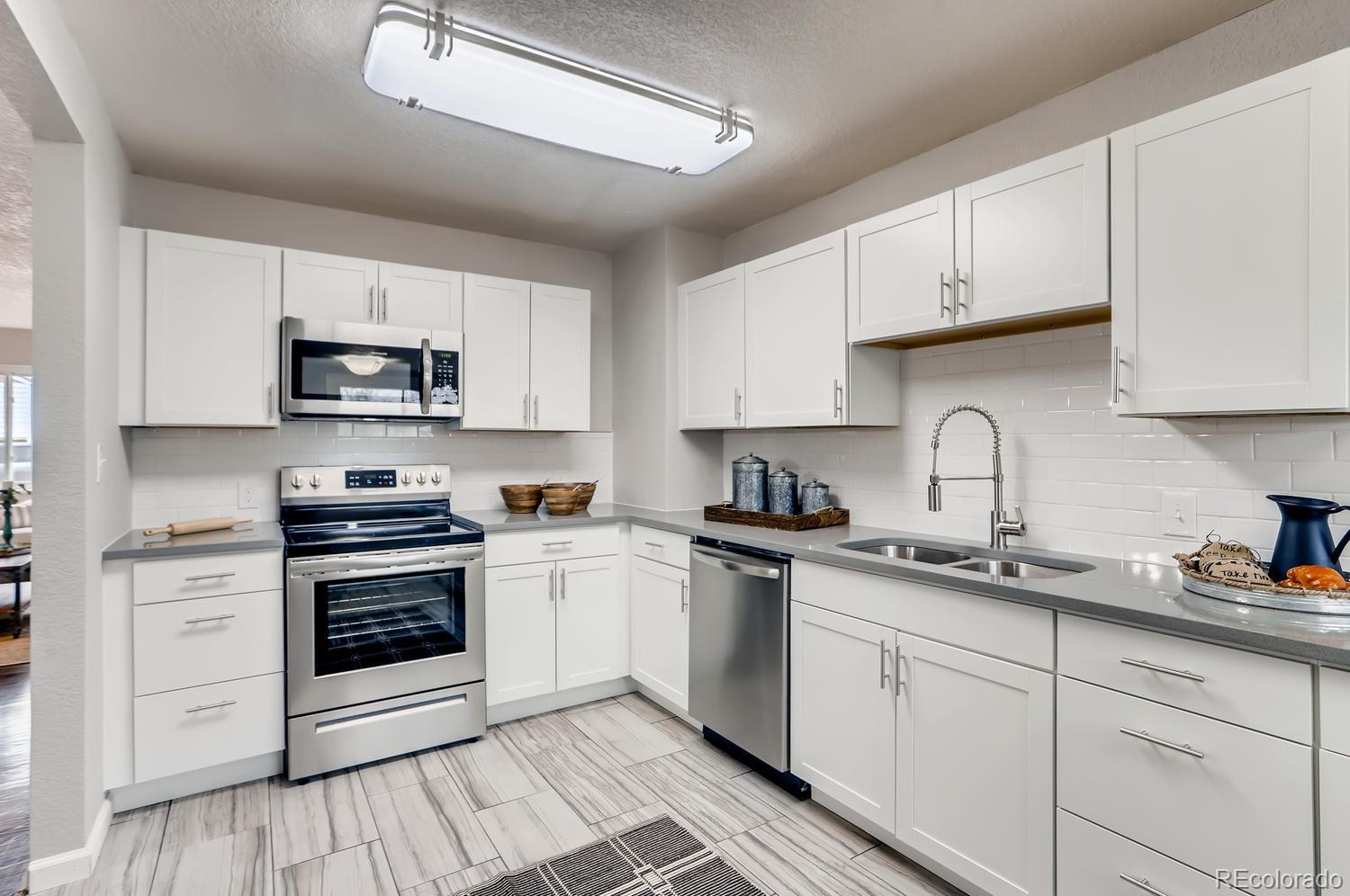 MLS# 2830054 - 9 - 8408 W 62nd Place, Arvada, CO 80004