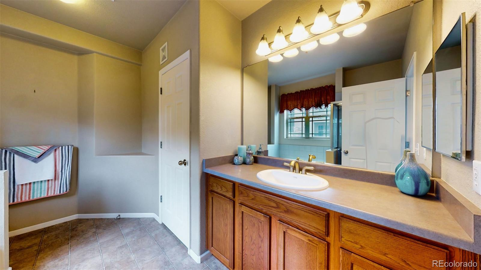 MLS# 3562922 - 12 - 8123 W 51st Place #202, Arvada, CO 80002
