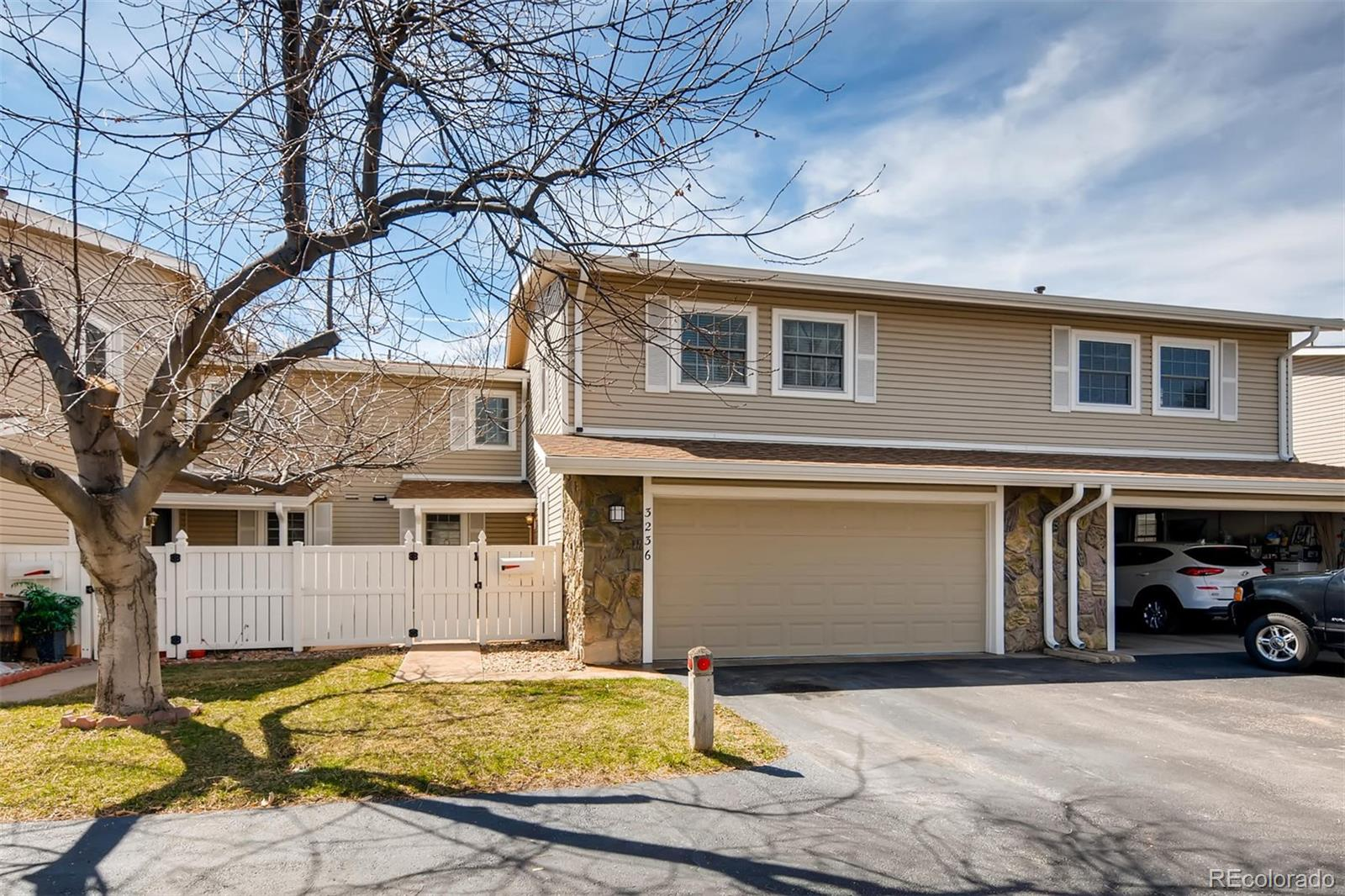 MLS# 3825448 - 2 - 3236 S Heather Gardens Way, Aurora, CO 80014