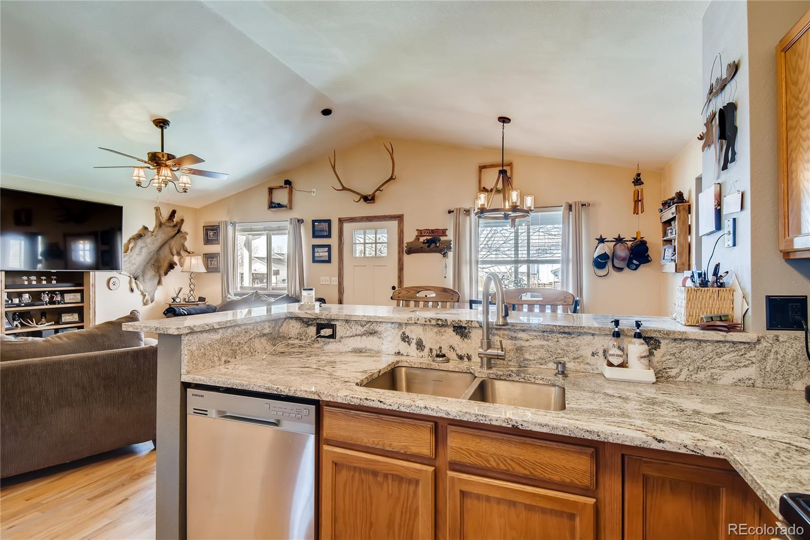 MLS# 3845561 - 11 - 524 Hawthorn Circle, Frederick, CO 80530