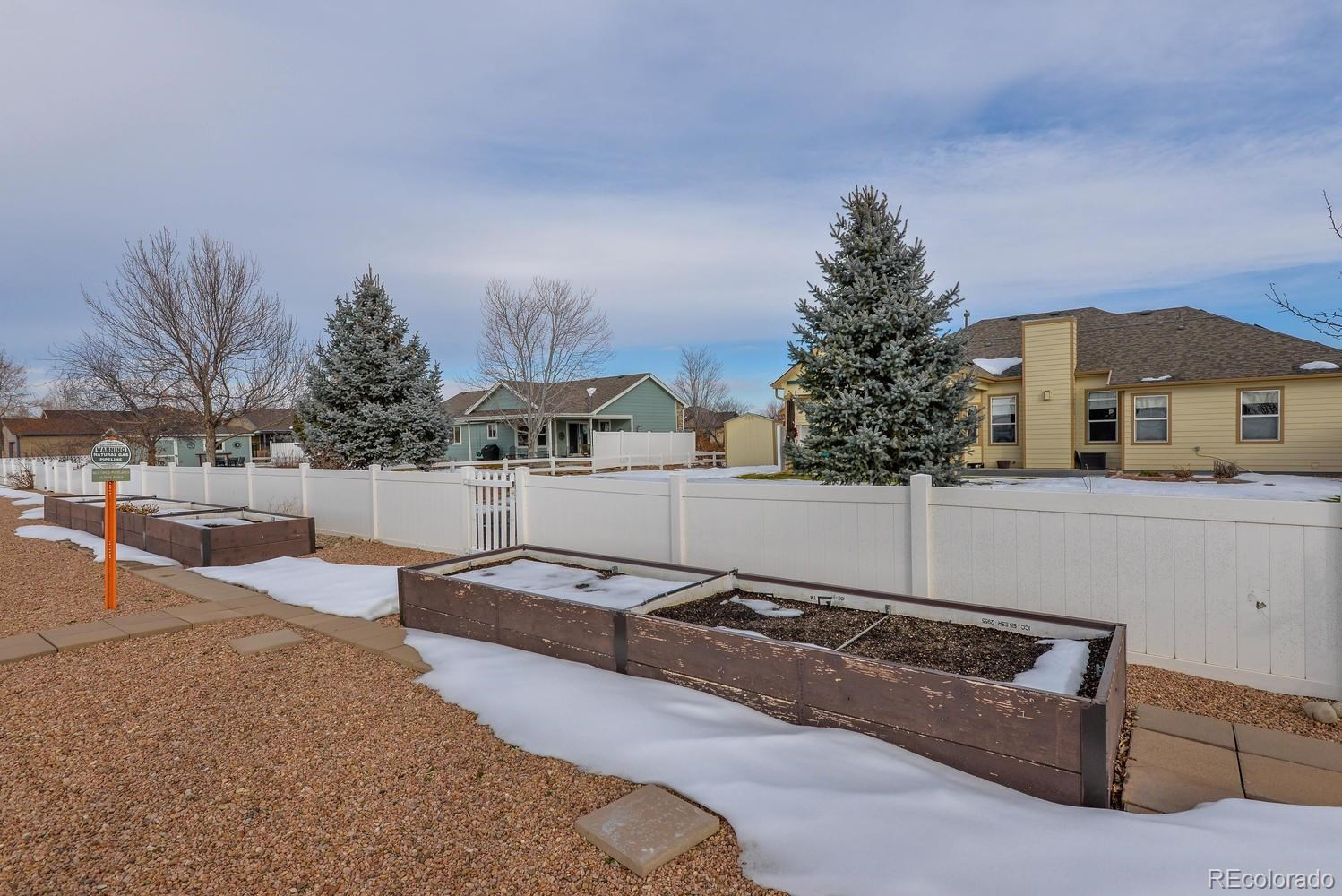 MLS# 4899841 - 37 - 400 Estate Drive, Johnstown, CO 80534