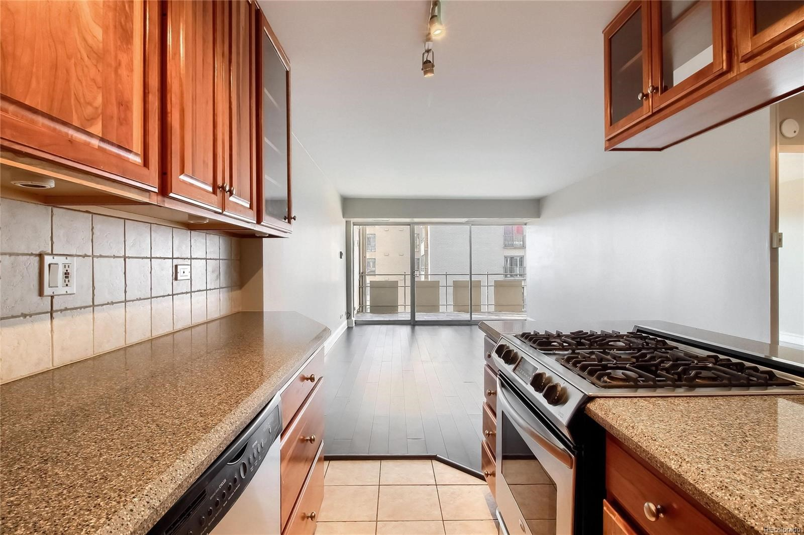 MLS# 5045889 - 18 - 800 N Washington Street #905, Denver, CO 80203