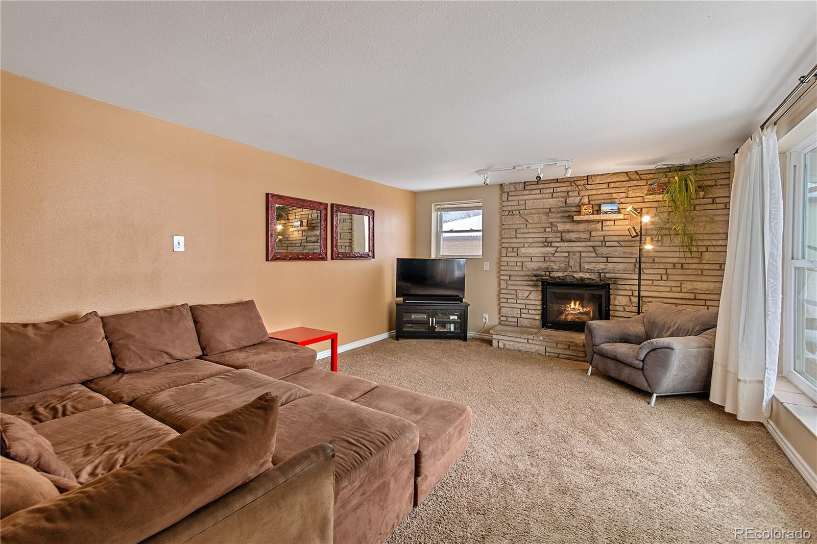 MLS# 5584211 - 10 - 8105 W 16th Place, Lakewood, CO 80214