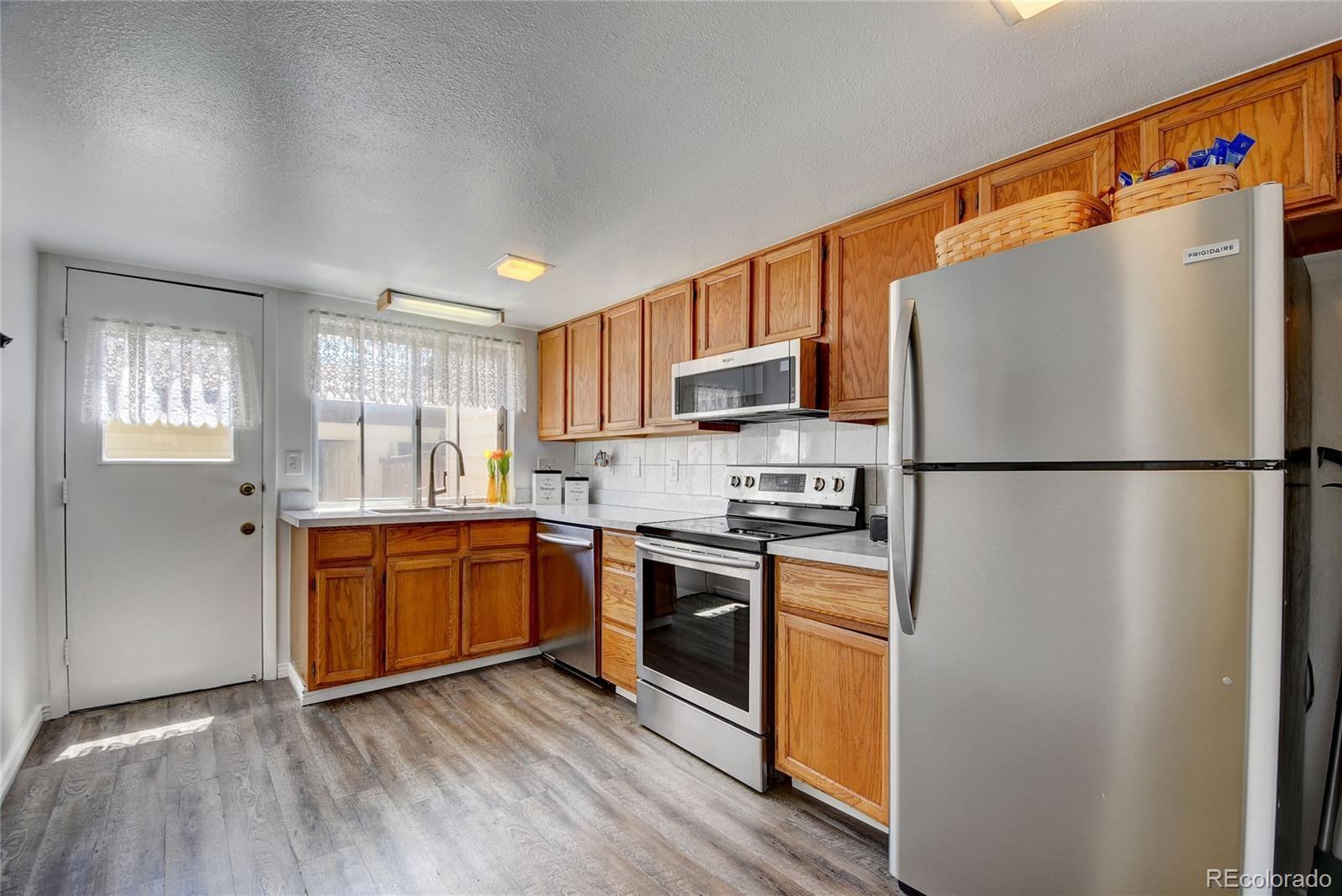 MLS# 5588277 - 8 - 16046 E Ithaca Place #B, Aurora, CO 80013