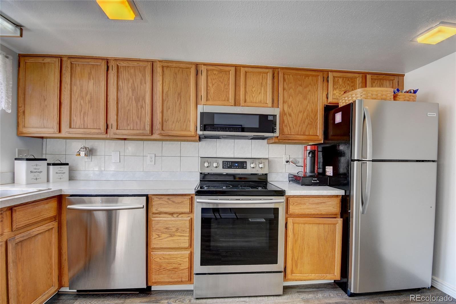 MLS# 5588277 - 10 - 16046 E Ithaca Place #B, Aurora, CO 80013