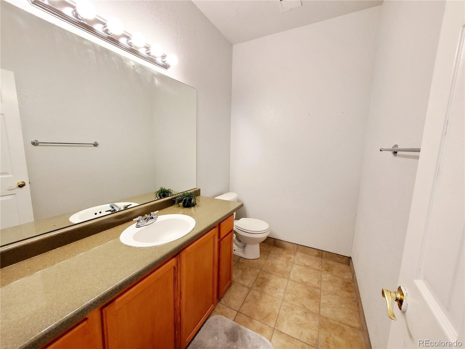 MLS# 5659966 - 11 - 2588 S Halifax Court, Aurora, CO 80013