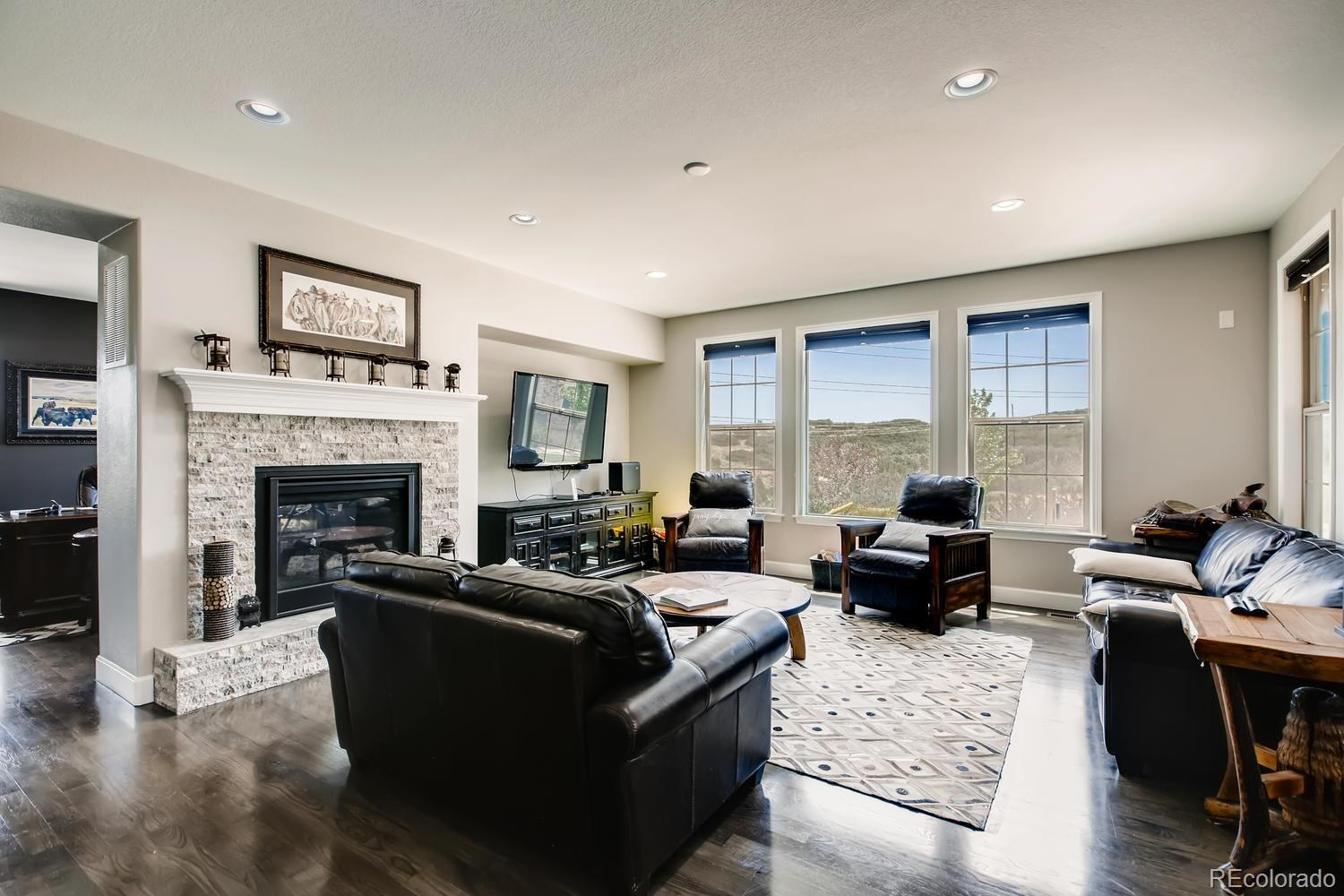 MLS# 5689224 - 4 - 10754 Greycliffe Drive, Highlands Ranch, CO 80126