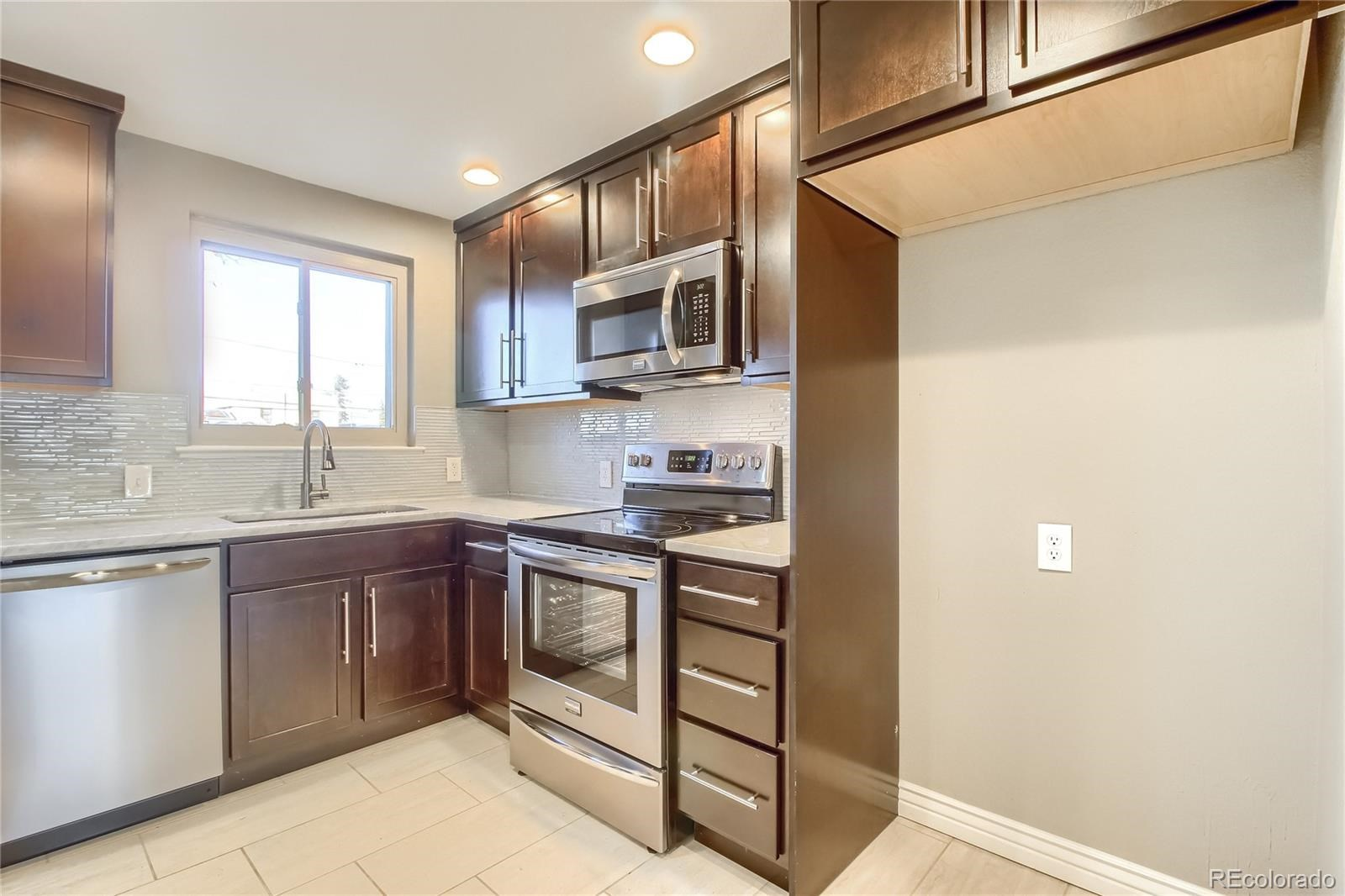 MLS# 5737383 - 16 - 4555 W 33rd Avenue, Denver, CO 80212